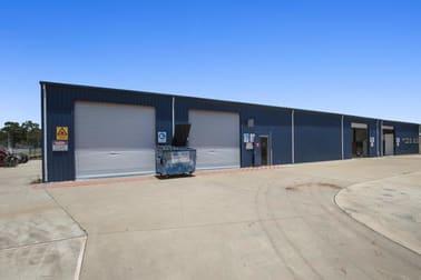 4 Featherstone St Parkhurst QLD 4702 - Image 2