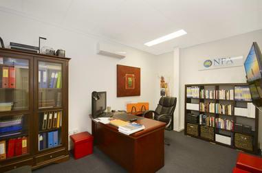 137 Ingham Road West End QLD 4810 - Image 2