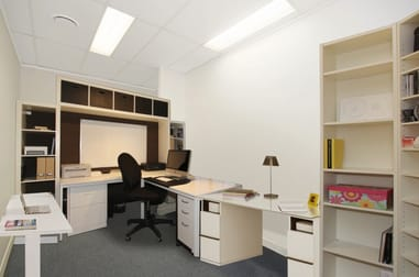 137 Ingham Road West End QLD 4810 - Image 3