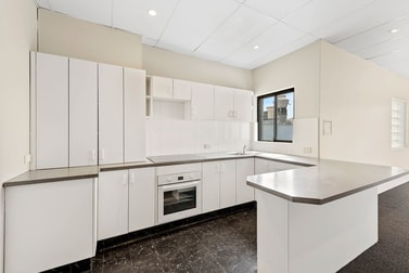 Level 2/214 Military Road Neutral Bay NSW 2089 - Image 3