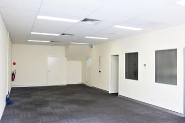 1/50 Logan Road, Woolloongabba QLD 4102 - Image 2