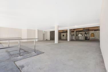 14&15/99 Griffith Coolangatta QLD 4225 - Image 2