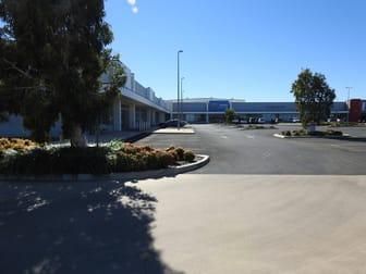 21 Ballard Street Emerald QLD 4720 - Image 2
