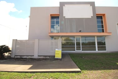 1/49 Cook Street Portsmith QLD 4870 - Image 2