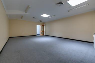 8/70 Edith Street Wynnum QLD 4178 - Image 2