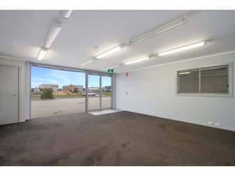 2/10 Wade Court Sale VIC 3850 - Image 2