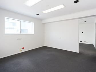 6 Staple Street Seventeen Mile Rocks QLD 4073 - Image 2