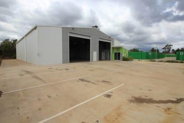 27 Croft Crescent, Harristown QLD 4350 - Image 2