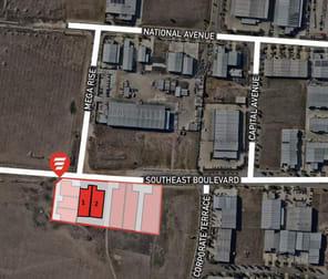 Unit 1/Lot 24 Southeast Boulvard Pakenham VIC 3810 - Image 2