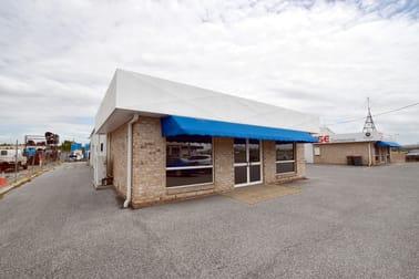 2/121 Hanson Road Gladstone Central QLD 4680 - Image 1