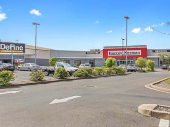 414 Yaamba Road Norman Gardens QLD 4701 - Image 3