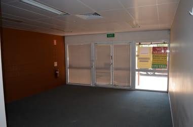 65 Hospital Road Emerald QLD 4720 - Image 3
