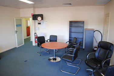 109 Herries Street - Suite 5 East Toowoomba QLD 4350 - Image 2