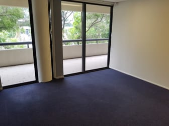 Level 1 105 Upton Street Bundall QLD 4217 - Image 1