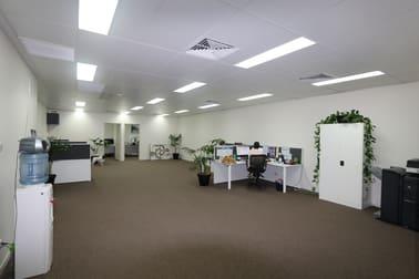 1/45-47 West Burleigh Road Burleigh Heads QLD 4220 - Image 2