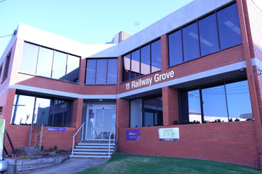 11 Railway Grove Mornington VIC 3931 - Image 2