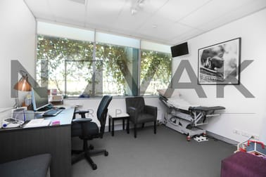 4106/834 Pittwater Road Dee Why NSW 2099 - Image 3