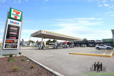 9 Elizabeth Avenue Clontarf QLD 4019 - Image 2