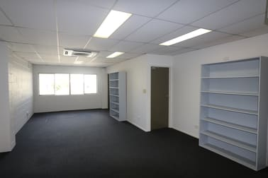 4/7 Central Drive Burleigh Heads QLD 4220 - Image 3
