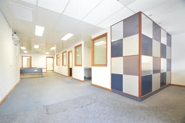 Unit 5 Offices/11 Kinta Drive Beresfield NSW 2322 - Image 2
