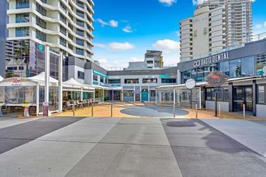 11/15 Victoria Avenue Broadbeach QLD 4218 - Image 3