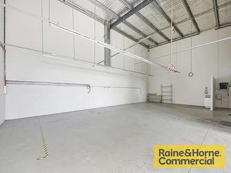 2/300 Cullen Avenue Eagle Farm QLD 4009 - Image 2