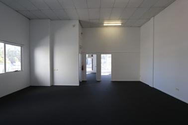 1/38 Hutchinson  Street Burleigh Heads QLD 4220 - Image 2