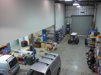 7- 11-15 Rocklea Drive Port Melbourne VIC 3207 - Image 2