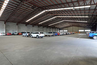 7-11 Curtin Avenue Hamilton QLD 4007 - Image 1
