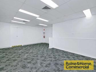 2/5 Ross Street Newstead QLD 4006 - Image 3