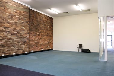 7 Russell Street Toowoomba City QLD 4350 - Image 2