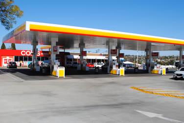 Tenancy 2/348 Alderley Street Kearneys Spring QLD 4350 - Image 2
