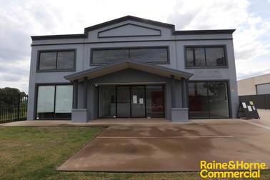 Unit 1/71 Copland Street Wagga Wagga NSW 2650 - Image 1