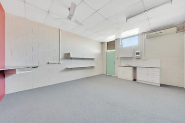7/121 Toolooa Street Gladstone Central QLD 4680 - Image 2