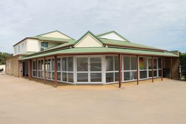 2/65 Hospital Road Emerald QLD 4720 - Image 1
