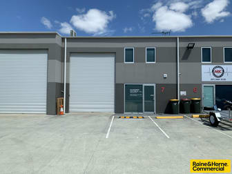 7/6 Oxley Street North Lakes QLD 4509 - Image 1
