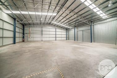 2/303 Copland Street Wagga Wagga NSW 2650 - Image 2