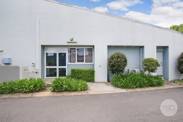 1/2 Ramsay Place West Albury NSW 2640 - Image 2