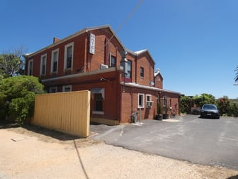 2/33 Campbell Street Castlemaine VIC 3450 - Image 2
