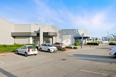 Unit 2, 2 Purdy Place Canning Vale WA 6155 - Image 2
