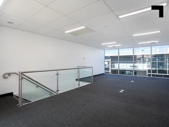 128/9 Hall Street Port Melbourne VIC 3207 - Image 2