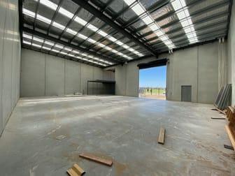 53 Futures Road Cranbourne West VIC 3977 - Image 2