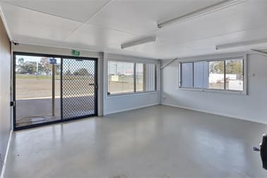 46 Parkes Rd Forbes NSW 2871 - Image 3