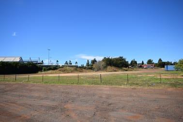 32 Cambooya Street Drayton QLD 4350 - Image 3
