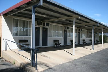 24 Railway Street Blackwater QLD 4717 - Image 2