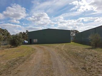21 Redesdale Road Kyneton VIC 3444 - Image 2