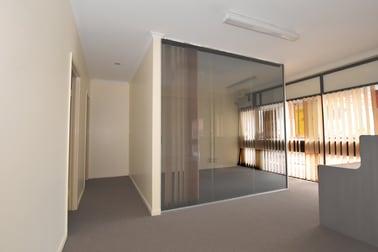 17-18 / 8 Dennis Road Springwood QLD 4127 - Image 2