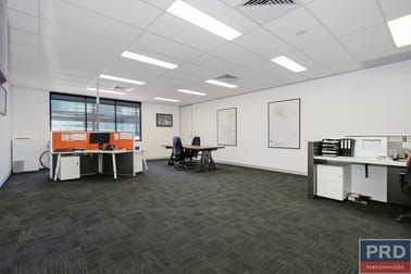Suite 3, FF/ 526 Macauley Street Albury NSW 2640 - Image 3