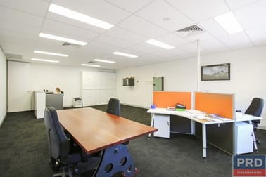 Suite 3, FF/ 526 Macauley Street Albury NSW 2640 - Image 2