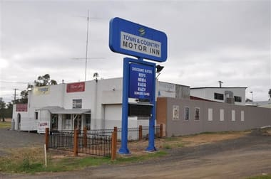15 Parkes Rd Forbes NSW 2871 - Image 2